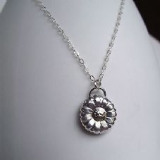 Beautifully Detailed Handmade Pretty OOAK Daisy Silver 999 & 24ct Gold Pendant
